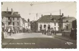 Citroen Traction  Arpajon Place De L'Hotel De Ville - Arpajon