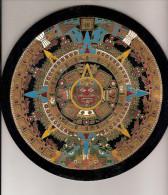 Calendrier Maya Aztèque   Plateaux En Cuivre Sur  Plastique Ou Bakelite - Autres
