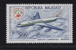 Madagascar, Malagasy  Aerien aviation yt 88 ** SC .. Douglas DC8 .. cote  = 10.50€