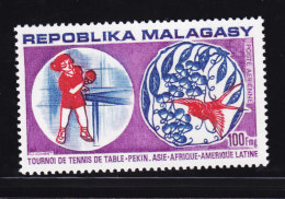 Madagascar, Malagasy  yt  a�rien  137 / 138 ** SC .. tennis table, ping pong, tournoi ..  cote = 3.90 €