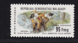 Madagascar, Malagasy  Aerien yt 178 ** SC .. l�muriens, protection de la faune .. cote = 1.60  €