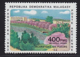 Madagascar, Malagasy  yt a�rien 185 ** SC .. fleurs arbre jacarandas,  ..  cote  = 4.50 €