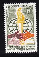 declaration droits de l'homme .. Madagascar, Malagasy  yt 393 ** SC .. cote  = 1.00 €