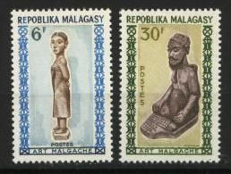 Madagascar, Malagasy  yt 397 / 398 **  SC .. art, sculpture ..  cote = 1.30 €