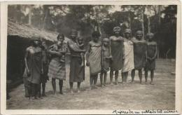 Equatorial Guinea 1920s Rio Muni mujeres de un poblado del interior Agfa viewcard