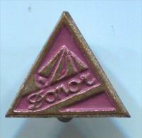 DONOR - Roller Skates, Vintage Pin, Badge - Skating (Figure)