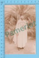 Cpa ( Père Blanc Portant Un Chéchia Pendant L´évangelisation ) Photo Carte Postale Postcard Recto/verso - Algérie