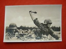 """Feldpost-Fotokarte """"Uffz.im Kampf"""" als Unteroffizier-Werbekarte !! von Dt.Reich, no Fake!! on Original !!, ungebraucht"""