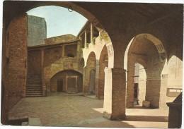 K2366 Citt� di San Gimignano (Siena) - Cortile del Palazzo comunale / viaggiata 1977