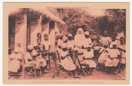CONGO BELGE DOMINICAINES MISSIONNAIRES DE NIANGARA LA LECON DE COUTURE - Congo Belge - Autres