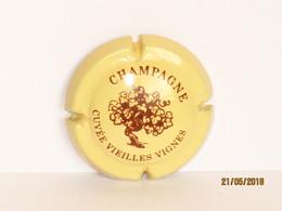 Capsules Ou Plaques De Muselet  CHAMPAGNE Générique Cuvée Vieilles Vignes - Collections
