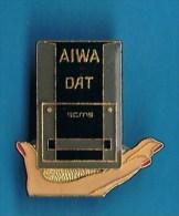 PIN´S //  . AIWA DAT  Scms PC MUSIC - Informatique