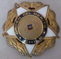 Chile ORDEN DEL MÉRITO. Primera Clase. 2 Scan. See Description - Médailles & Décorations