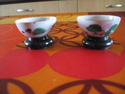 Lot De 2 Petites Miniatures         Petits Bols Yves Rocher Avec Support - Miniatures