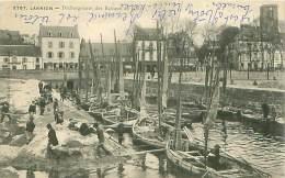 Cpa LANNION 22 Déchargement Des Bateaux De Sables - Lannion