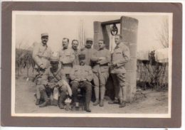 REF EX Photographie  Groupe De Militaire Posant Devant Un Puit - Guerre, Militaire