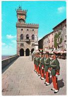 San Marino: GUARDIA DI ROCCA - Palazzo Del Governo  (Guard/Garde / Wachter/Gardisten) - San Marino
