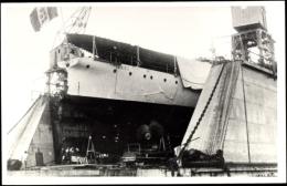 Photo Cp Italienisches Kriegsschiff, Nave Bari, Flagge, Schraube - Non Classés