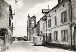 CHEZY EN ORXOIS....eglise Et Rue Du Gue...edit Combier4945..pliure En Bas A Gauche Voir Scan... - Other Municipalities