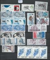TERRES AUSTRALES ET ANTARTIQUES FRANCAISES  LOT DE 25 EXEMPLAIRES NEUFS ** Quelques Doubles  A VOIR - Colecciones & Series