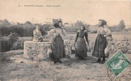 ¤¤   -  16   -  ILE D'YEU   -  Ilaises Au Puits     -  ¤¤ - Ile D'Yeu