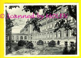TIELT VOORGEVEL INSTITUUT HEILIGE FAMILIE Nu DE BRON Fusie School ST-JOZEFSCOLLEGE FACADE INTERNAAT Home 1869 - Tielt