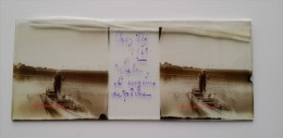 Plaque De Verre Stéréo Ancienne - CHAZILLY ( Cote D'Or ) - Un Pécheur Dans Une Barque - Voir Matériel De Pêche - 1910 - Plaques De Verre