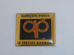 Pin's ALENCON PNEUS, LE SERVICE GAGNANT - Andere