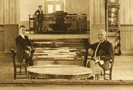 Mondorf Luxemburg 2 Homme In Salle De Lecture Um 1920 - Bad Mondorf