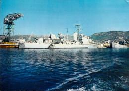 83 Var  TOULON Le Vendéen à Quai (escorteur Navire De Guerre)*PRIX FIXE - Toulon