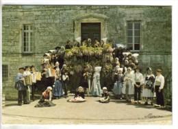 """CPSM SAINT ROMAIN DE BENET (Charente Maritime) FOLKLORE COSTUMES - """"Les Bategails De Saintonge"""" - Altri Comuni"""