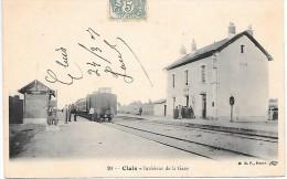 CLUIS - Intérieur De La Gare - Train - France