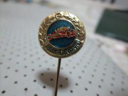AUTOMOTIVE CLUB Car Pin - Badges