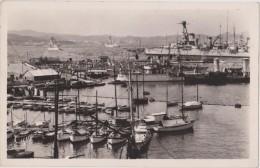 Cpa,var,toulon,en 1940 Le Port Et La Rade ,pèche,bateau De Guerre - Toulon