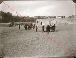 Plaque De Verre Militaire Artillerie Canon Exercice Manoeuvre Camp Photo De 1901 - Guerre, Militaire