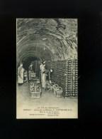 CPA 51 - Epernay, Caves De La Maison C. Gauthier & C° - Mise En Tas Des Bouteilles - Epernay