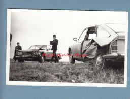 Photo Professionnelle - VITRY Le FRANCOIS ( Marne ) - Accident Cote De Gravelines D´une Automobile Mercedes - Gendarme - Automobili