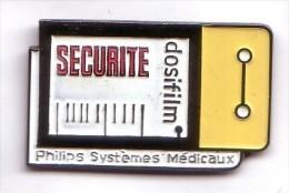 AB160 Pin´s Marque PHILIPS Systémes Médicaux Médecine Dosifilm - Marcas Registradas