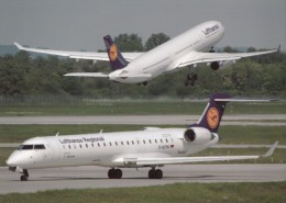 Lufthansa, Airbus A330-300, Canadair CRJ900, Unused Postcard [14813] - 1946-....: Moderne