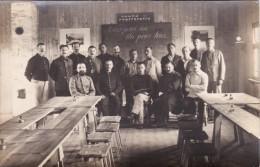 CP Photo 14-18 Camp De Prisonniers De GUSTROW, L´école Française Fondée En 1915 (photo Louis Postif) (A93, Ww1, Wk 1) - Weltkrieg 1914-18