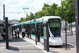 """PARIS XV-Gare Du Tramway """"Porte De Versailles"""", Avenue Ernest Renan Et Personnel RATP - Arrondissement: 02"""