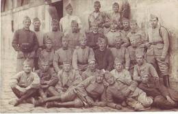 Carte Photo - Groupe De Soldats - Régiments