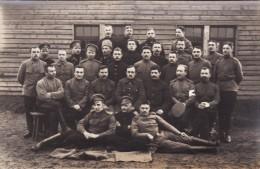 CP Photo 14-18 Camp De GUSTROW - Un Groupe De Prisonniers Russe, Russian Pow (A93, Ww1, Wk 1) - Weltkrieg 1914-18