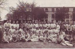 Carte Photo - Groupe De Soldats à Metz En 1930 - Régiments