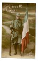 CPA   Militaria  : Classe 18    POILU Avec Drapeau Tricolore  1917  A  VOIR  !!!!!!! - Guerre 1914-18