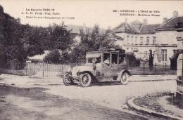 02- Soissons - L 'hotel De Ville - ( Bord Latéral Gauche) Manque 5 Ml ) - Soissons