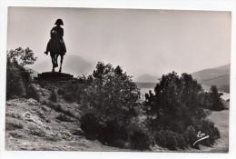 Cpsm 05 - La Route Napoléon - Statue De Napoléon Au Grand Lac De Laffrey - (9x14 Cm) - France