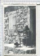 FILEUSE  De  CORDE   De   POILS  De   CHEVRE  -   Making Cord From Goats Hair - Autres Communes