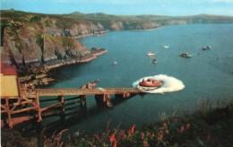 Postcard - St. David´s Lifeboat & Lifeboat Station, Pembrokeshire. PT23866 - Barche