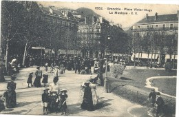 Isere : Grenoble, Place Victor Hugo, La Musique, Animée - Grenoble